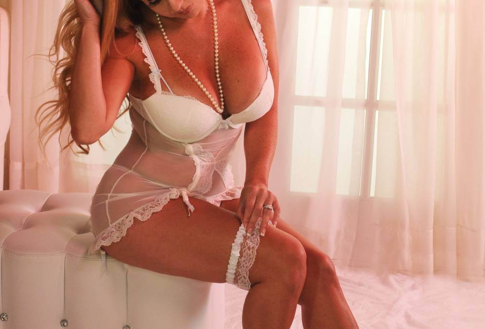 Tampa Boudoir  Not to revealing but just that Classy Women's Photography